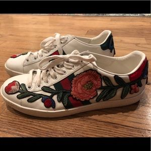 Gucci Shoes - Gucci Floral Embroidered Women's Sneaker - Sz 38
